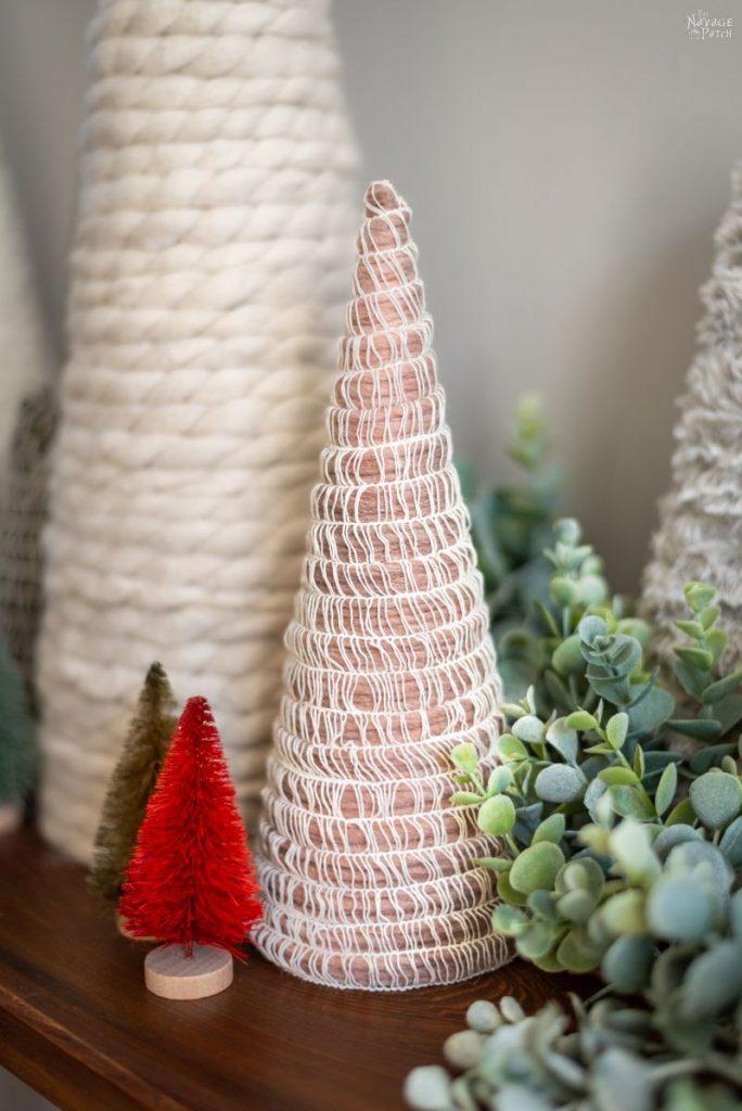 Chritmas tree made with yarn