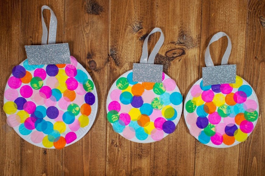 Round Shiny Baubles Decoration