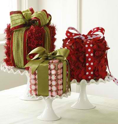 Christmas-Themed Table Centerpieces